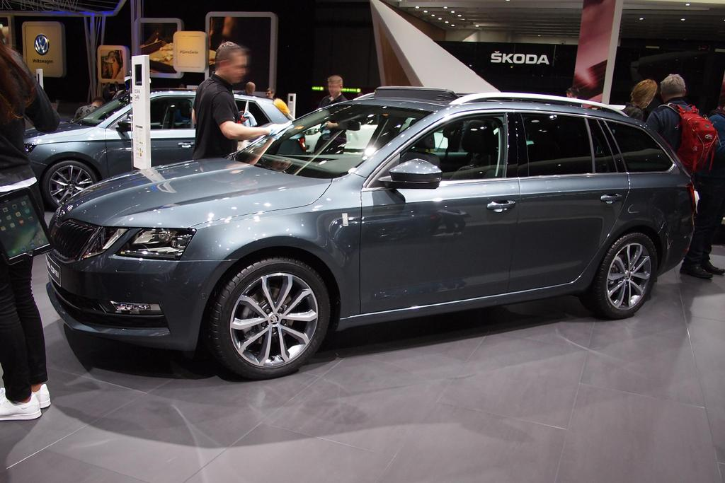 skoda octavia combi ambition 1 0 tsi 115 ps. Black Bedroom Furniture Sets. Home Design Ideas