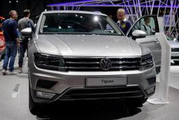 Volkswagen Tiguan - Highline 2.0 TSI 4Motion 220PS DSG7 PANO NAVI PRO AHK DAB