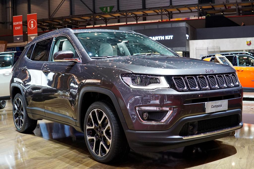 jeep compass limited 1 4 mair fwd navi xenon klimaaut lmf. Black Bedroom Furniture Sets. Home Design Ideas