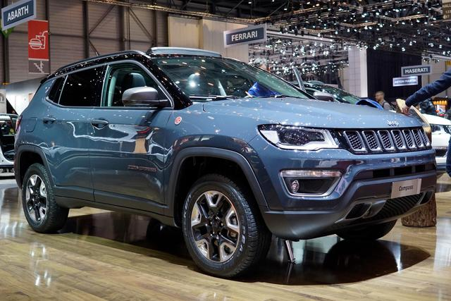 Jeep Compass - 1.4 MultiAir 103kW Night Eagle