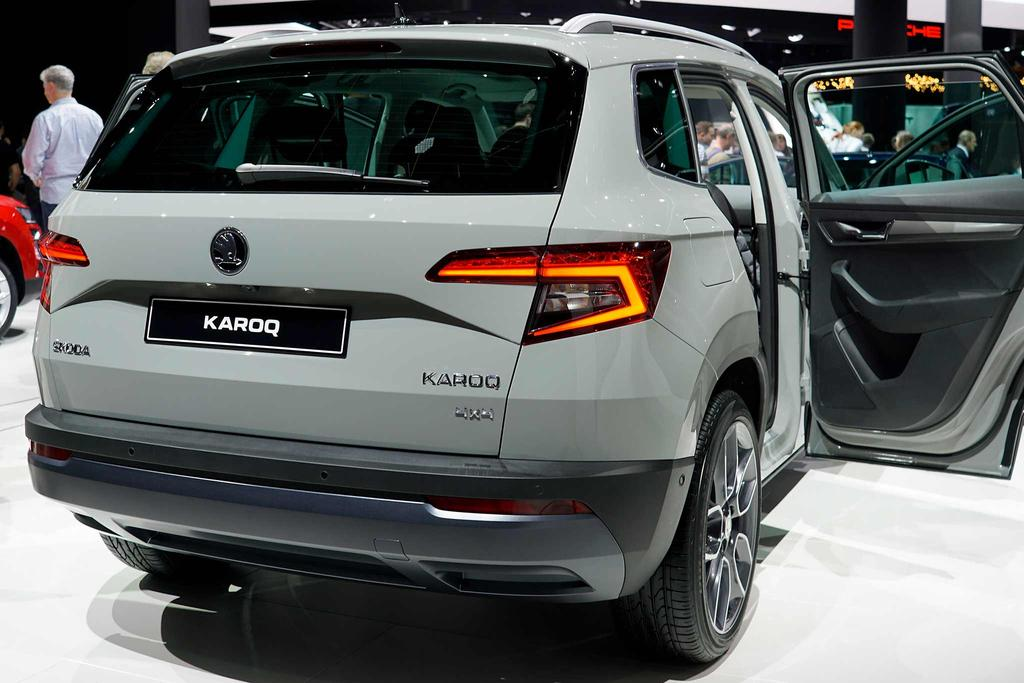 skoda karoq 1 6 tdi ambition diesel eu neuwagen. Black Bedroom Furniture Sets. Home Design Ideas