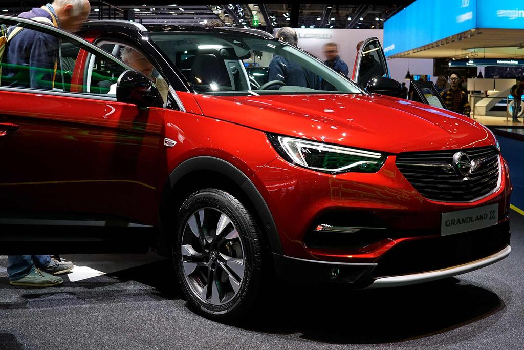 opel grandland x selection 1 2 turbo m6 130 klima temp eu. Black Bedroom Furniture Sets. Home Design Ideas
