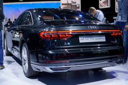 Audi A8      60 TFSI quattro tiptronic