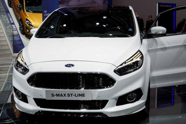 Ford S-MAX      2,0 EcoBlue 140kW 4x4 ST-Line Auto