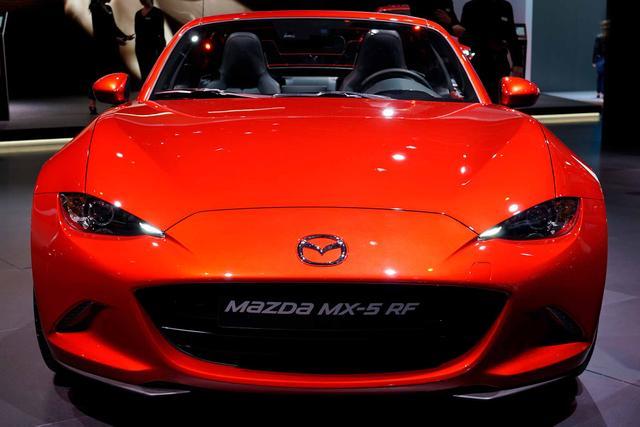 Mazda MX-5 RF - 2.0 SKYACTIV-G 132 Exclusive-Line