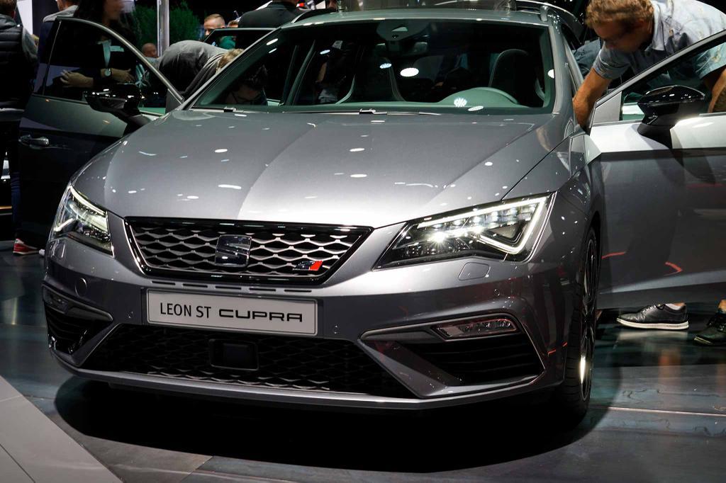 seat leon st 2.0 tsi start&stop cupra 300 günstiger kaufen | eu