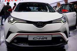 Toyota C-HR - C-ENTER 1.8 Hybrid 122PS CVT 2018