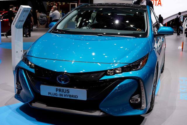 Toyota Prius Plug-In - Solar 1.8 Hybrid 122PS/90kW CVT 2019 Bestellfahrzeug