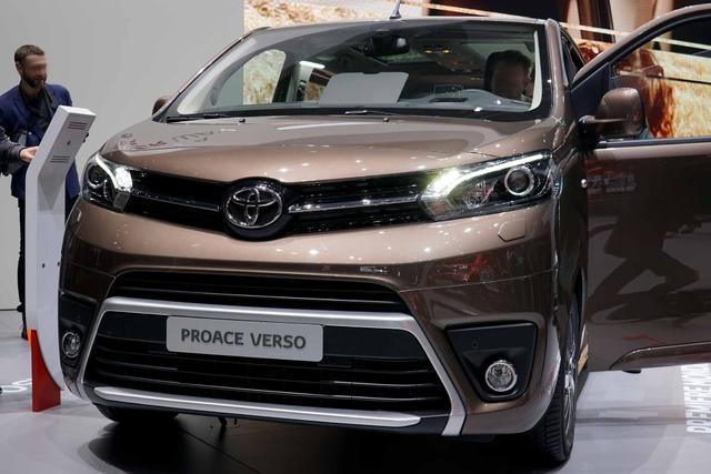 Toyota Proace Verso      2,0-l-D-4D 106kW L2 Team Deutschland