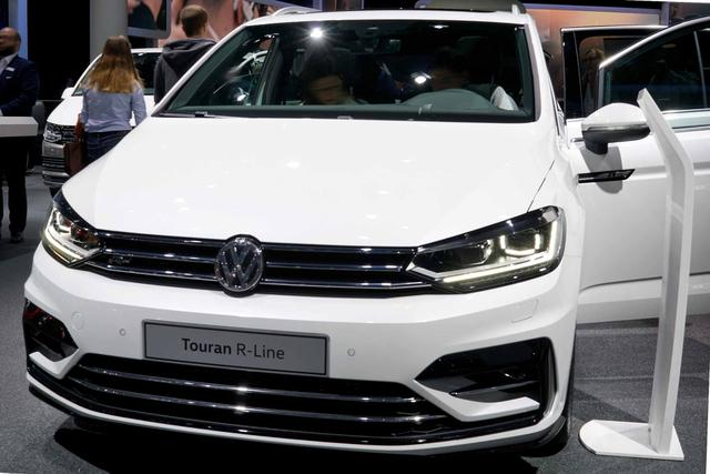 Volkswagen Touran - 1.5 TSI EVO ACT R-Line  7-Sitzer Keyless ACC Klimatr.