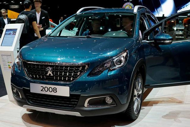 Peugeot 2008 - PureTech 155 EAT8 GT