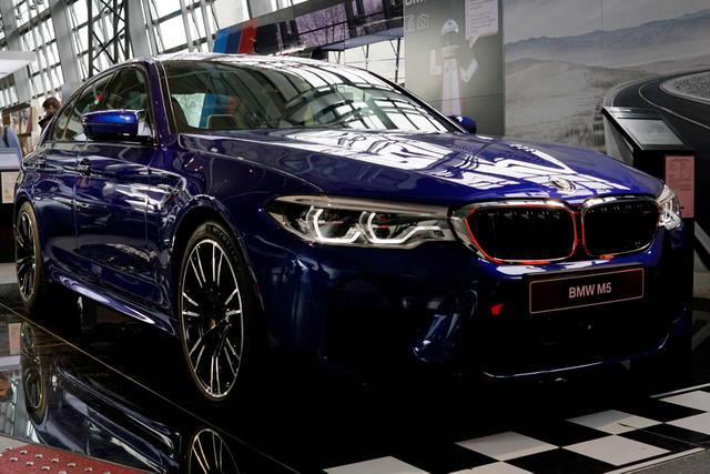 BMW 5er Limousine - M5 xDrive A