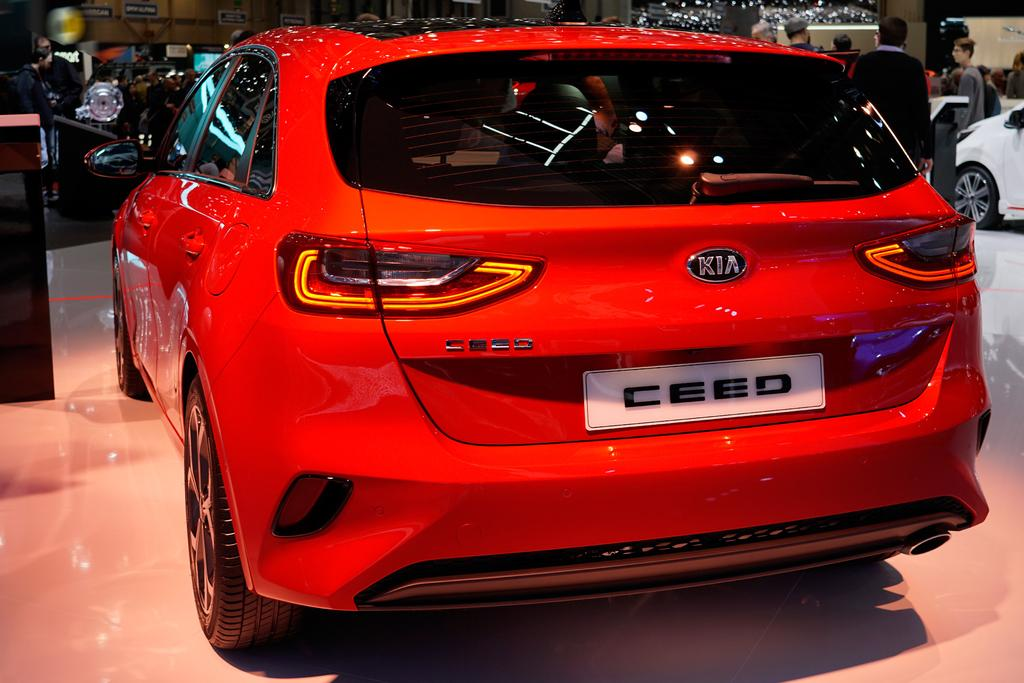 kia ceed 1 4 t gdi dct platinum edition restart auto. Black Bedroom Furniture Sets. Home Design Ideas