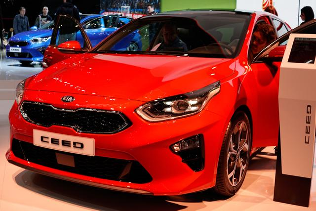 Kia Ceed      1.4 T-GDI DCT Vision