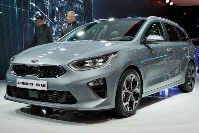 Kia Ceed Sportswagon      1.4 T-GDI DCT Vision