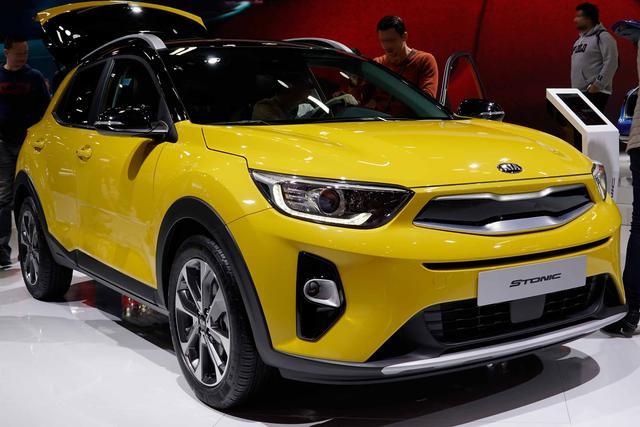 KIA Stonic - Premium 1.0 T-GDI 100PS/74kW 5G 2020 Bestellfahrzeug frei konfigurierbar