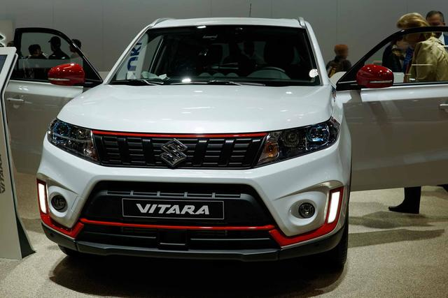 Suzuki Vitara - 1.0 2WD Style |Panorma|Navi|Leder|Kamera|17Zoll