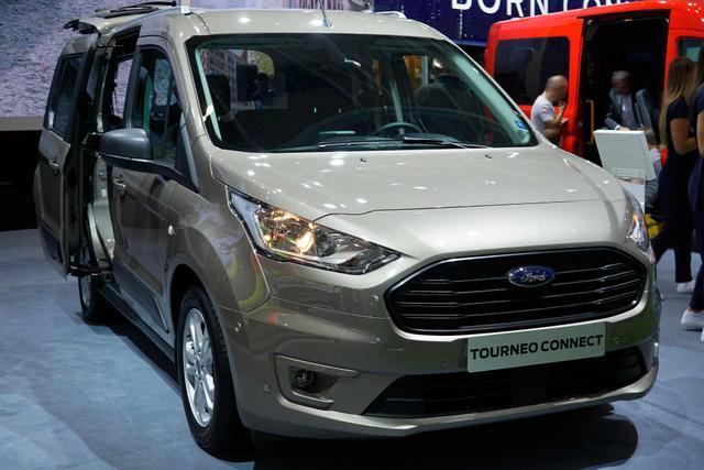 Ford Tourneo Connect Titanium L2 1.5l TDCi 120 Aut Klimaaut LMF Spur Temp NSW PDC Panorama DAB