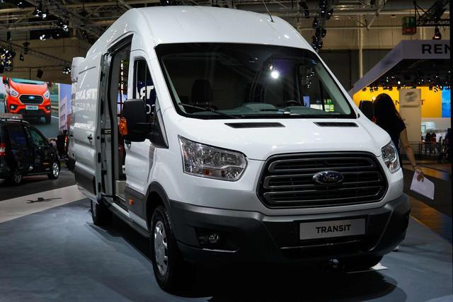 Ford Transit - Sport 310 L2H1 3 Sitzer 170 Automatik