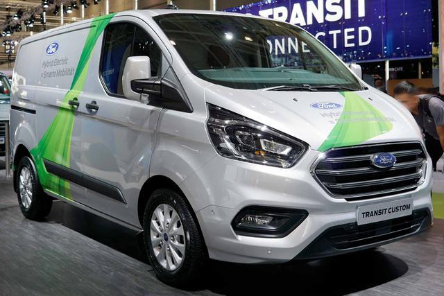 Ford Transit Custom Trend 300 L1H1 3 Sitzer 170