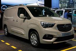 Opel Combo Cargo 4-Türer      1.2 96kW Edition 2,4t Automatik