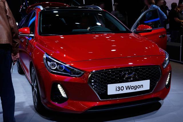 Hyundai i30 Kombi 1.6 CRDi 85kW YES! DCT