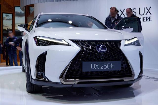 Lexus UX - 200 Launch Edition
