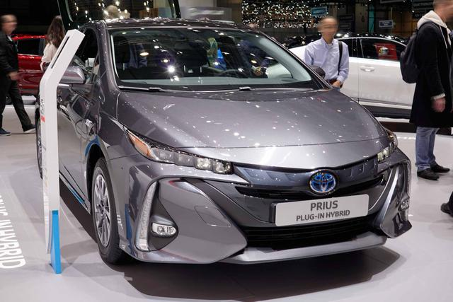Toyota Prius - H4 1.8 Hybrid Plug-in 122PS/90kW CVT 2019