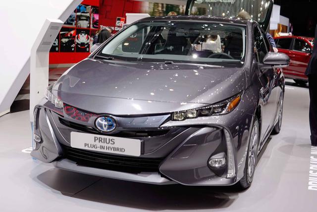 Toyota Prius Plug-In - H2 1.8 Hybrid 122PS/90kW CVT 2019 Bestellfahrzeug