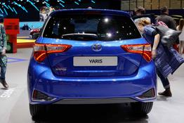 Toyota Yaris      Style Selection 1.5 Dual VVT-iE MULTIDRIVE- SCHWARZES DACH ! ALU-KAMERA-KLIMAAUTOMATIK-PCS-AUDIO TAS500