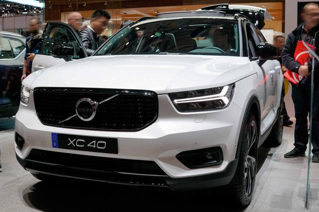 XC40      Momentum Core T3 163PS/120kW 6G 2021