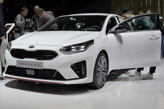 Kia ProCeed - GT - MJ 2020 | Kamera Navi Alu LED