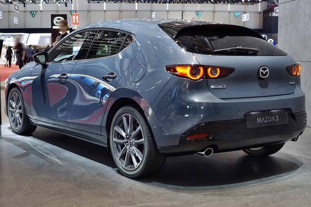 Mazda Mazda3 5-Türer      2.0 SKYACTIV-G M-Hybrid Selection
