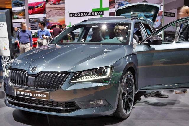 Skoda Superb Combi - Active KLIMA/LED/PDC