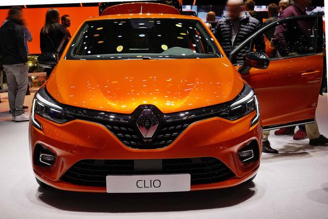 Clio      Intens 1.6 E-TECH Hybrid 140PS/103kW EAUT 2021