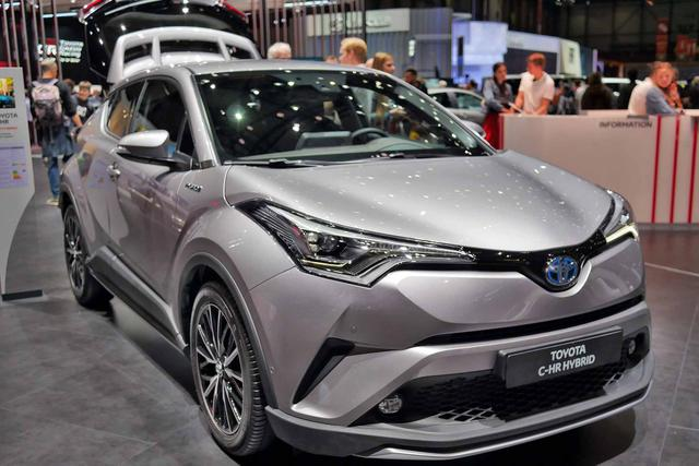 Toyota C-HR - C-LOUD 1.8 Hybrid 122PS CVT 2018