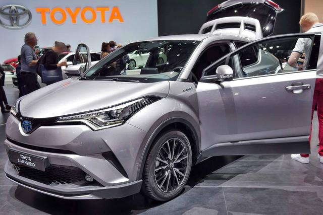 Toyota C-HR Selected Bitone 1.8 Hybrid 122PS/90kW CVT 2019