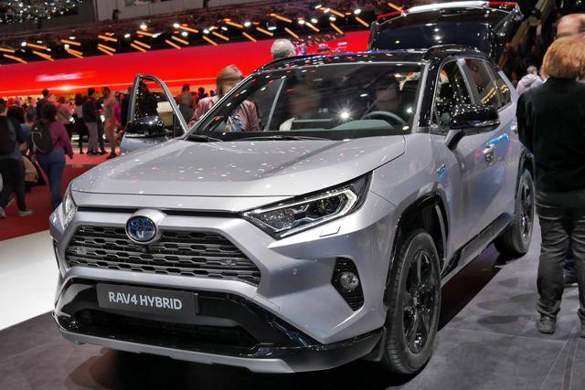 Toyota RAV4      H3 Comfort 2.5 Hybrid 2WD CVT 218PS/160kW 2019