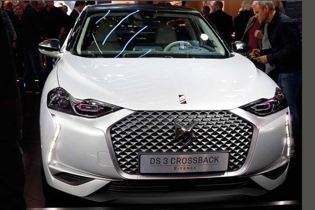 DS Automobiles 3 Crossback PureTech 100 Performance Line