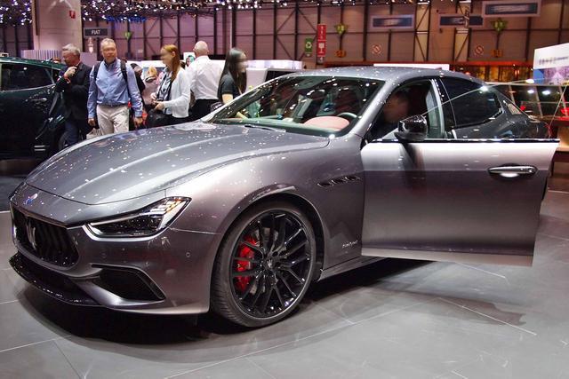 Maserati Ghibli - 3.0 V6 Diesel 275HP GRANSPORT Auto RWD