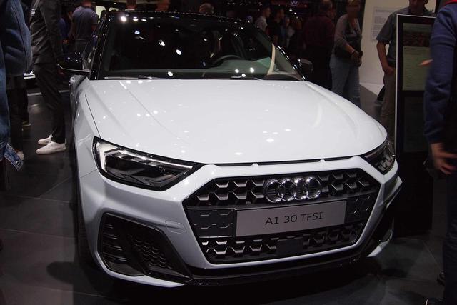 Vorlauffahrzeug Audi A1 - Smartphone Klima Alu PDC SHZ