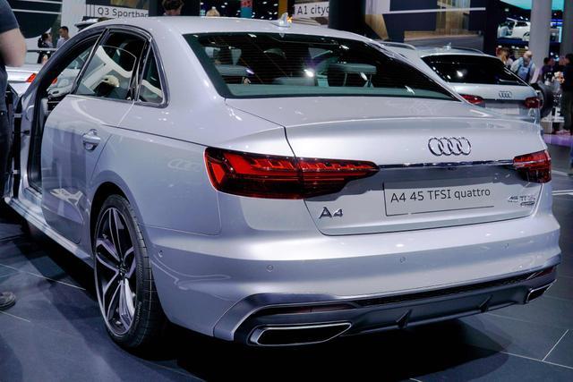 Audi A4 Avant 40 TDI S tronic quattro line