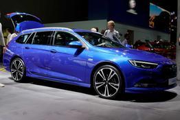 Opel Insignia Sports Tourer, Das Bild ist ein beliebiges Beispiel der frei konfigurierbaren Modellreihe