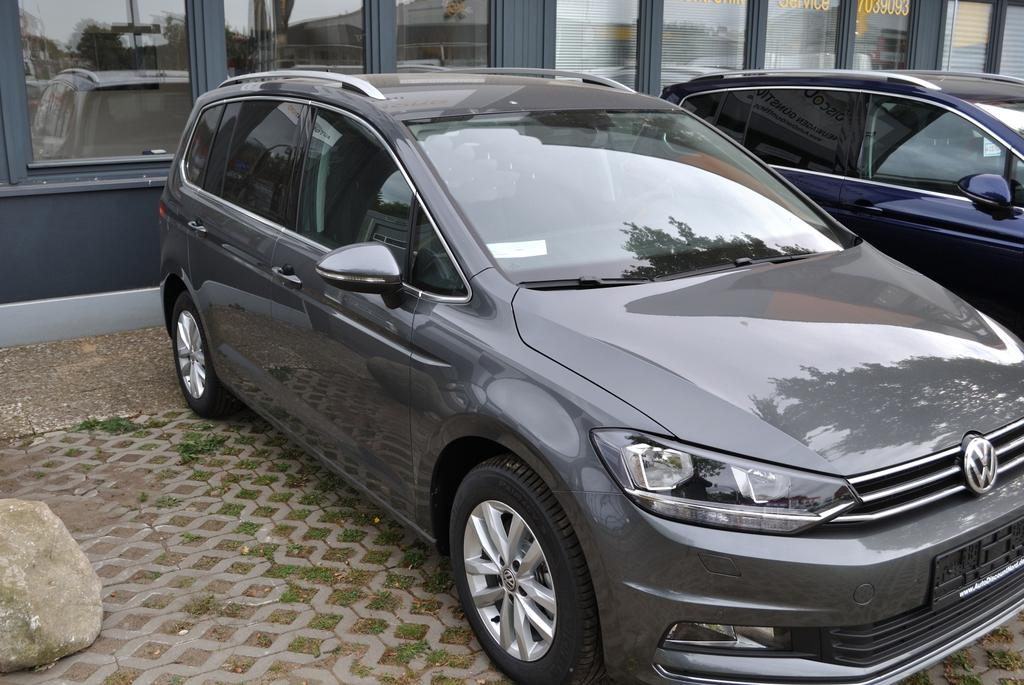volkswagen eu touran highline 7 sitzer 2 0 tdi scr 190. Black Bedroom Furniture Sets. Home Design Ideas
