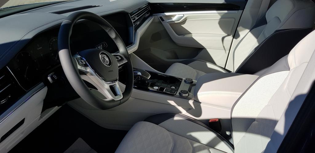 volkswagen touareg v6 elegance 3 0 tdi 210 kw 286ps. Black Bedroom Furniture Sets. Home Design Ideas