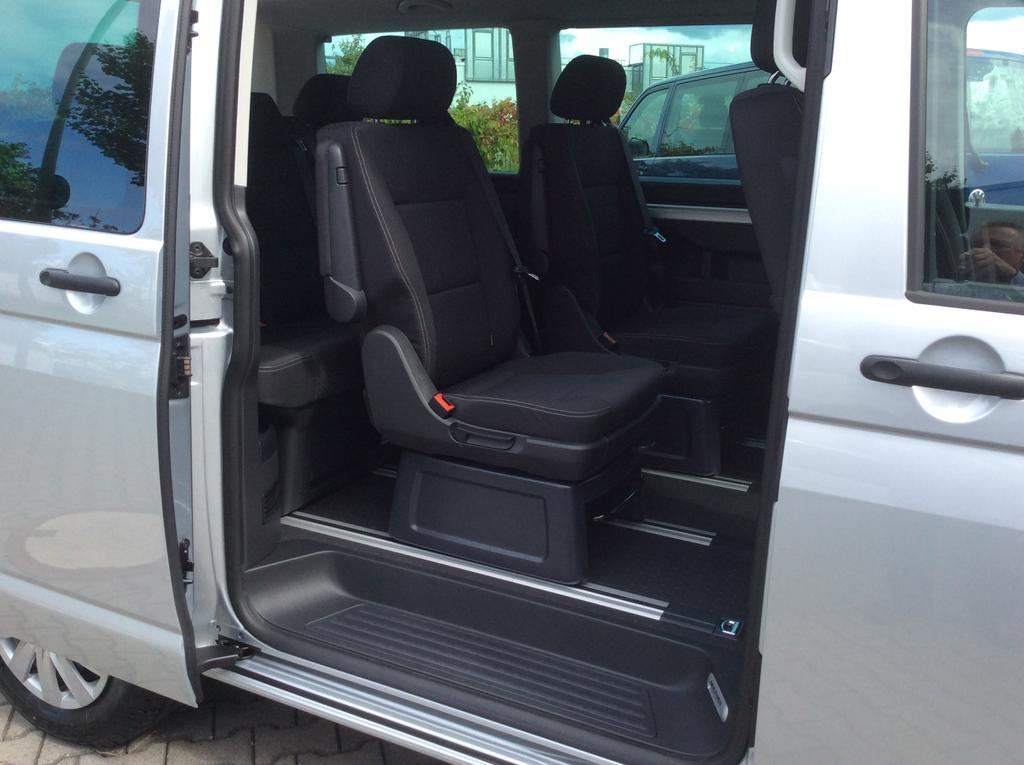 volkswagen t6 multivan trendline 2 0 tdi bmt 110kw 150ps. Black Bedroom Furniture Sets. Home Design Ideas