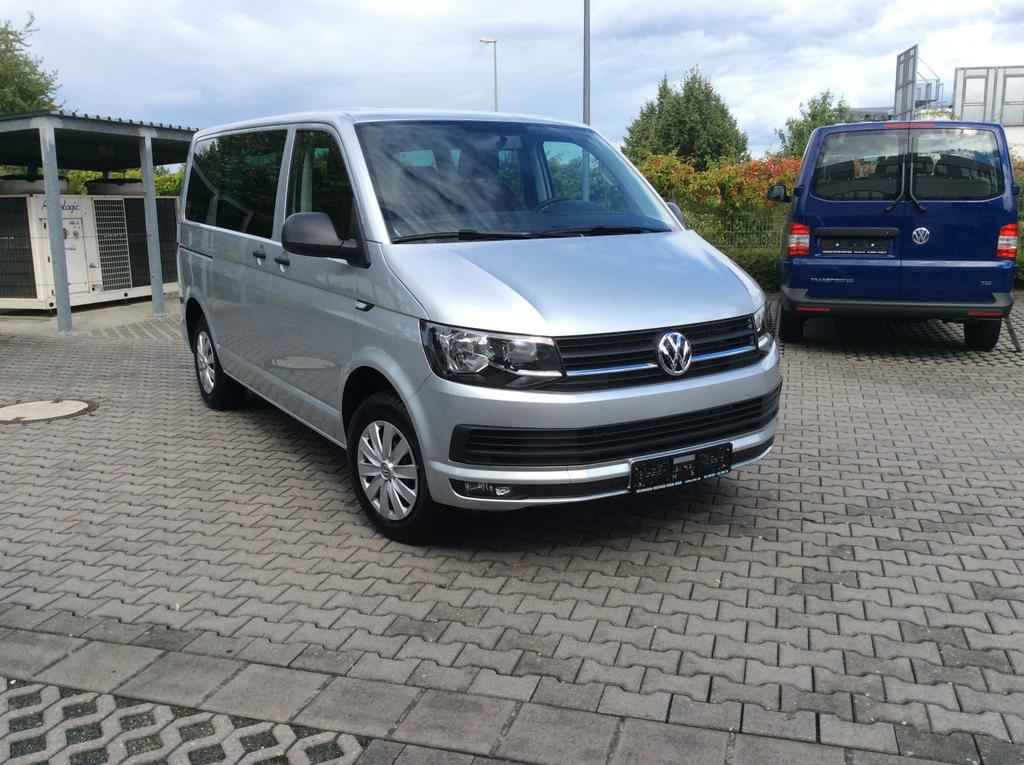 volkswagen t6 multivan trendline 2 0 tdi bmt 75kw 102ps 5. Black Bedroom Furniture Sets. Home Design Ideas