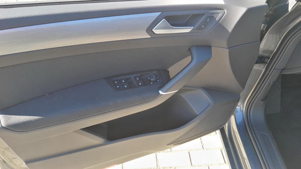 volkswagen touran comfortline 2 0tdi 110kw 150ps 7 sitzer. Black Bedroom Furniture Sets. Home Design Ideas