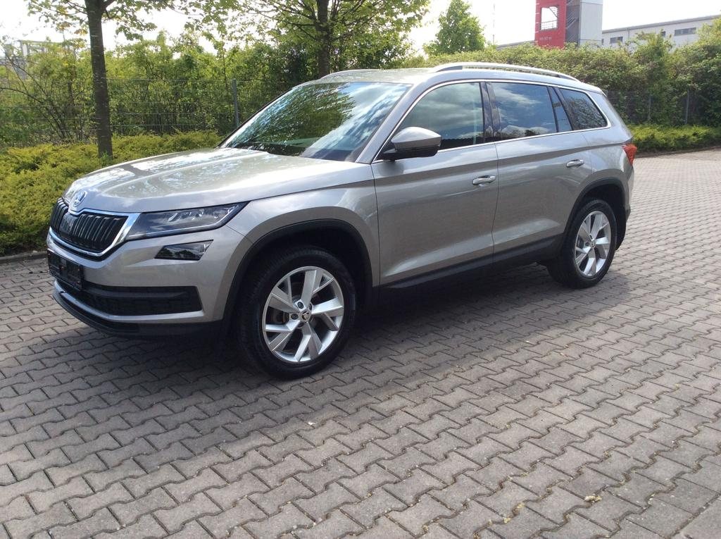 skoda kodiaq style 2 0 tsi 4x4 132kw 180ps dsg 7 gang neuwagen vertrieb rhein main. Black Bedroom Furniture Sets. Home Design Ideas