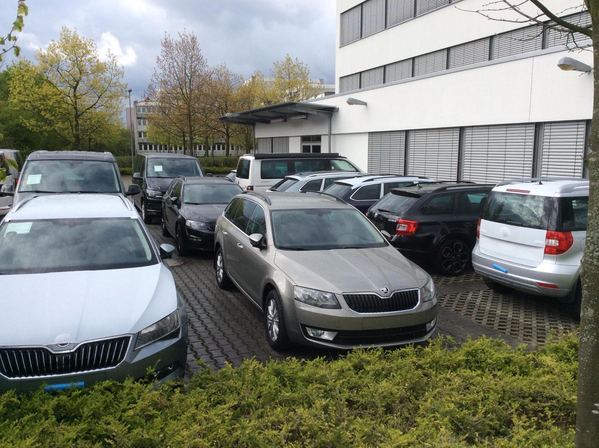 Profitieren Sie vom EU-Handel -- Neuwagen ab Lager und  Bestellfahrzeuge konfigurieren